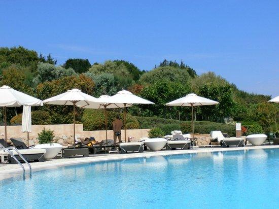 L'ea Bianca Luxury Resort: L'Ea Bianca Pool area