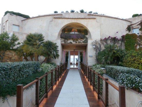 L'ea Bianca Luxury Resort: L'Ea Bianca Main Entrance