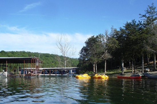 Holiday Inn Club Vacations Ozark Mountain Resort: Dock and Boat Rental