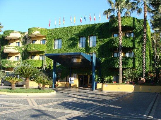 Welcome picture of caesar palace hotel taormina - Hotel caesar palace giardini naxos ...