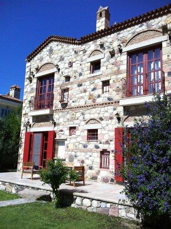 Alacati Zeytin Konak Hotel: The beautiful exterior