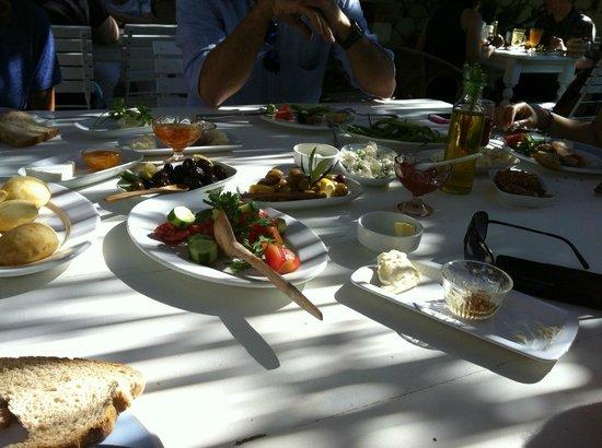 Alacati Zeytin Konak Hotel: Breakfast of kings
