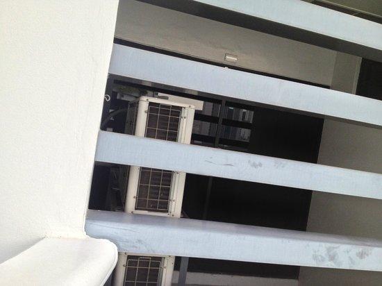 Phachara Suites: balcony