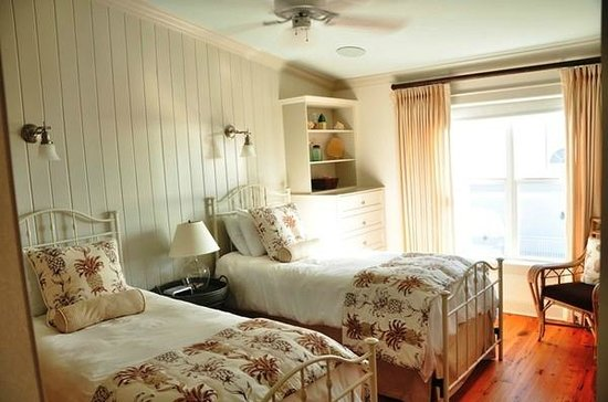 Mainsail Beach Inn: Double Bedded Room