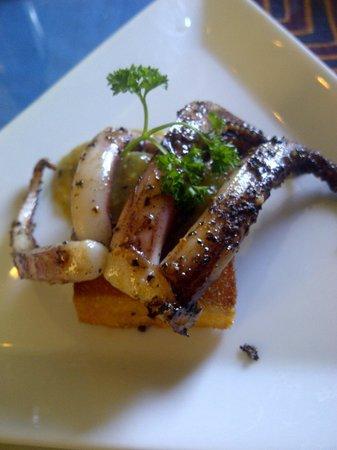 Cafe Dario : Calamari with polenta appetizer
