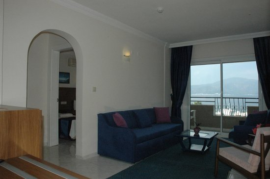 Doruk Hotel & Suites: suit oda salon
