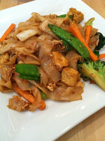 The Green Elephant: Thai Ginger Noodle
