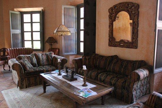 Sala de estar fotograf a de la casona de antigua antigua for Sala de estar antigua