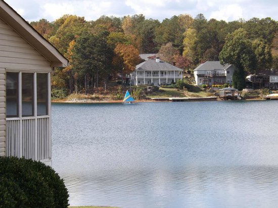 Fairfield Plantation: Beautiful lake