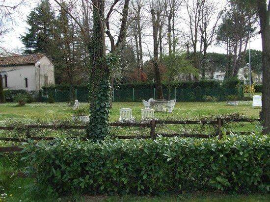 Hotel Harrys' Garden: giardino