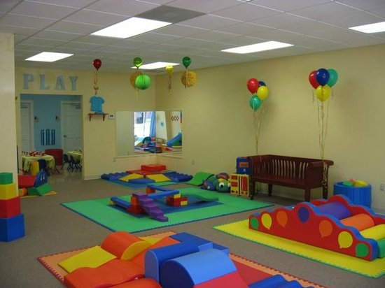 Play and Learn With Me: Play and Learn Indoor Play Center