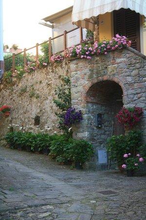 San Gennaro Castello B&B: il borgo