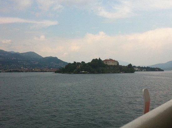 Hotel Alpi : uitzicht op eilanden in meer