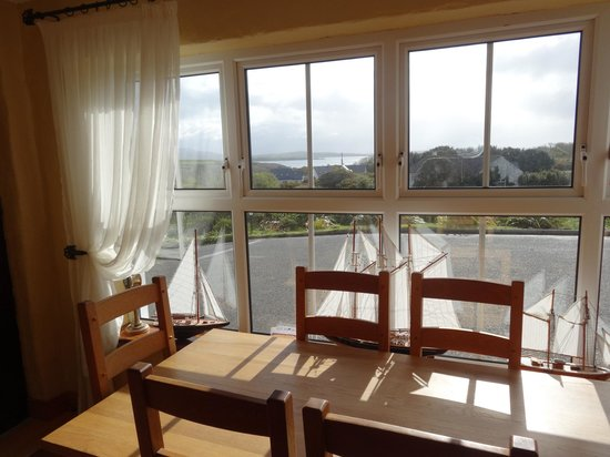 O'Reilly's Guest Accommodation: View from breakfast table