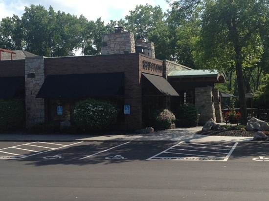 Redstone American Grill: Summer afternoon at Redstone.
