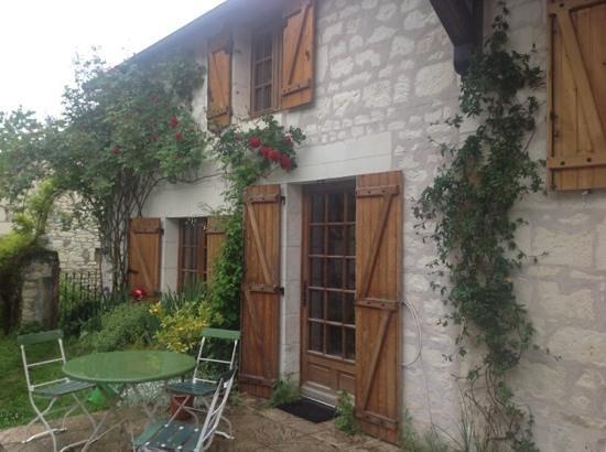 Le Clos de la Garde: French Country Inn