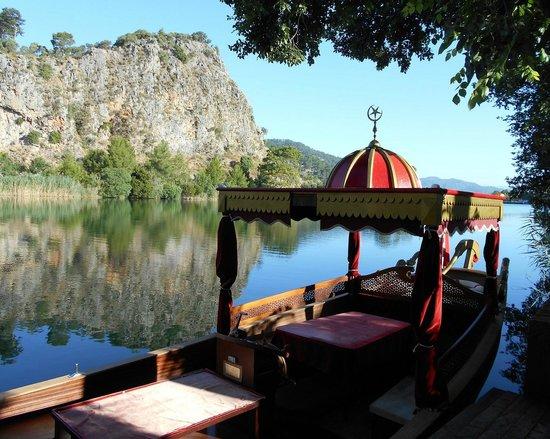 Aydos Club: The hotel's boat