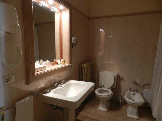 Villa Fenaroli Palace Hotel : bagno