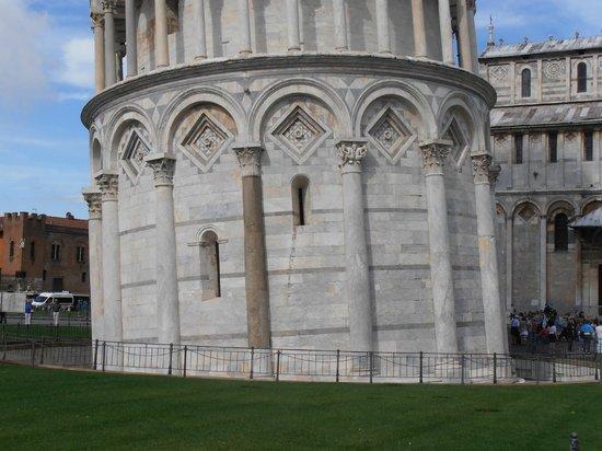 Casa San Tommaso: Torre di Pisa