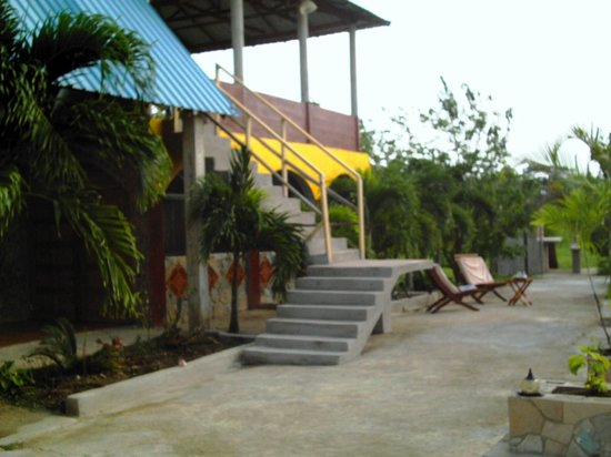Super Palm Resort: Multi relaxing setting best used for group and family