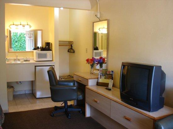 Value Inn Motel : room
