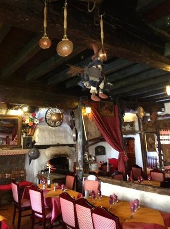L' Ostal des Troubadours: music, charm and good food!
