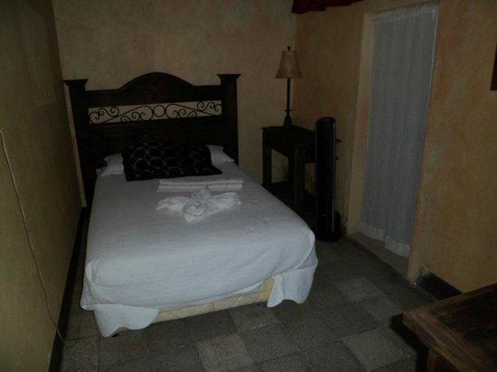 Hotel y Restaurante Vista Volcanes: One or 2 beds
