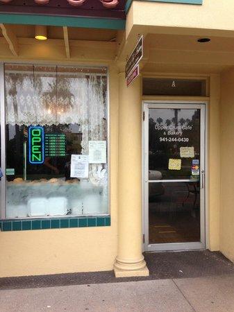Upper Crust Cafe & Bakery: Front of Upper Crust