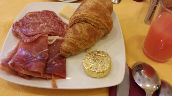 Lirico Hotel: breakfast1