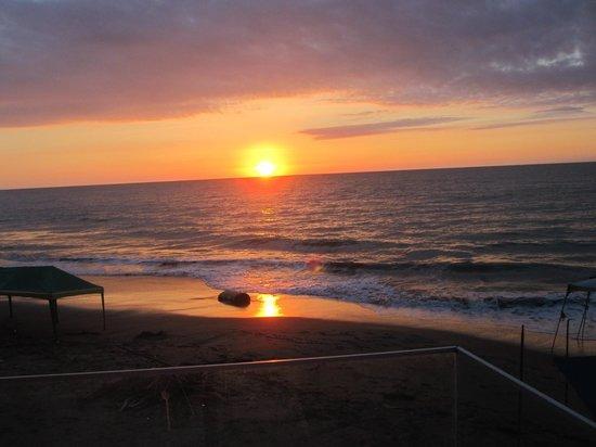 Playa Tonsupa: ün autografo de dios¨........