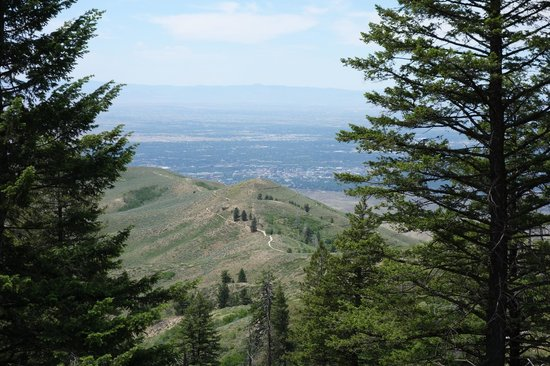 Ridge to River Trail System: Boise valley