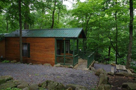 Gettysburg / Battlefield KOA: Exterior View of Basic Cabin BK4