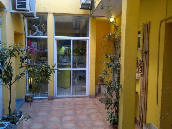 Che Lulu Guesthouse : El patio de la casa