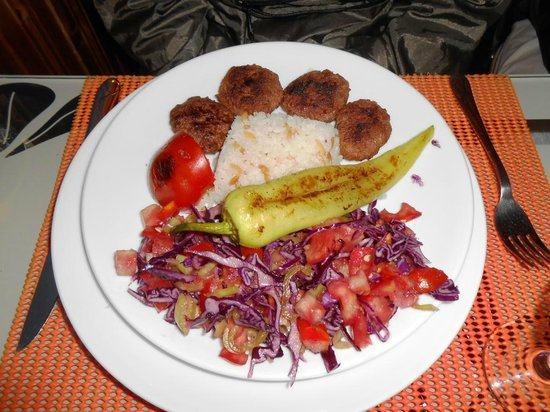 Turkuaz Cafe Restaurant: tasteless salad