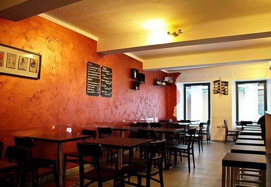 Photo of Bar Il Gallone - Cocktail & Wine Bar at Via Leon D'oro 13, Mantua 46100, Italy