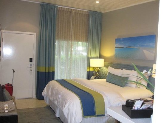 Orchid Key Inn: The bed comfy and clean, best value!