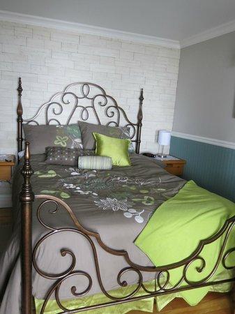 Gite Au Perchoir : Chambre au rez-de-chaussée, douillette et spacieuse