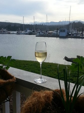 The Resort at Port Ludlow: Champagne on the deck