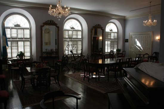 Old Exchange & Provost Dungeon: The Old Exchange & Provost - Meeting Room