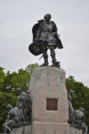 Orillia, Canada: Samuel de Champlain Monument