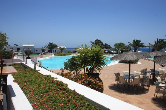 Costa Sal Villas and Suites: Pool area