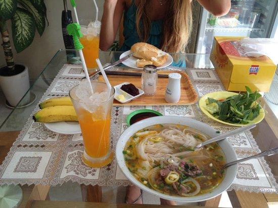 كات هوي هوتل: Breakfast