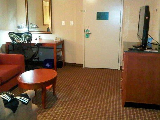 Hilton Garden Inn Toronto/Ajax : Entrance to room