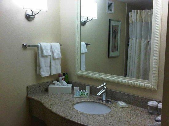 Hilton Garden Inn Toronto/Ajax : Nice bathroom