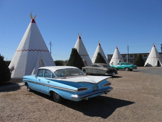 Холбрук, Аризона: Wigwams and classic cars!!! Unbeatable!!