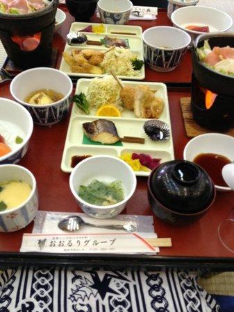Hotel New Shichisei: 夕食はそれなりです。
