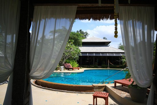 Baan Chai Thung: Poolview from Massage Pavillon