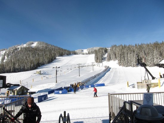 Monarch Mountain: View from the lodge - shows the conveyer lift for beginners