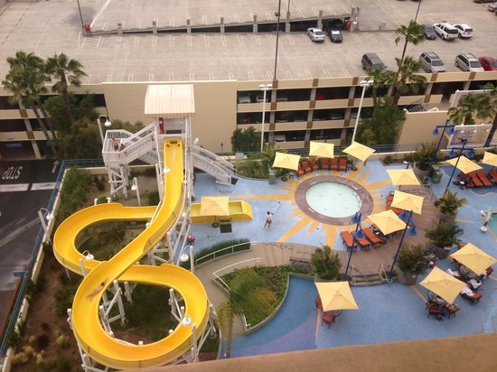 Disneyland Hotel Paradise Pier Reviews