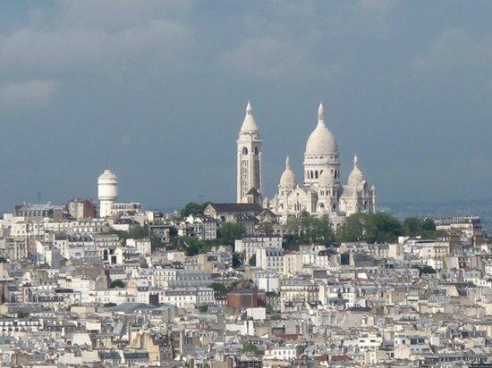 Mercure Paris Centre Eiffel Tower Hotel: Sacre-Coeur from top of Eiffel Tower.